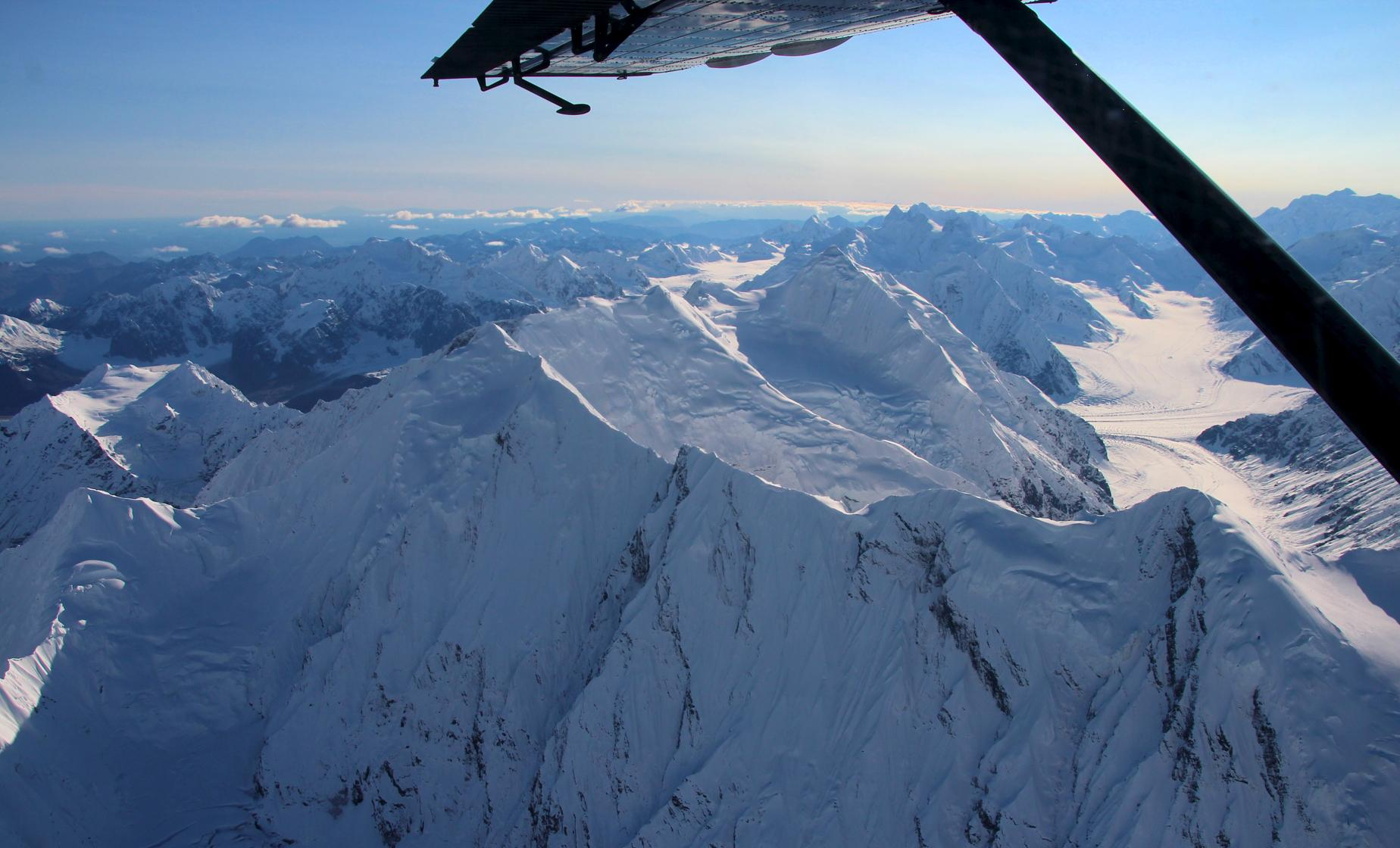 Talkeetna Shore Excursions | South Face McKinley Tour with Glacier Landing