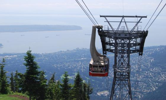 North Shore Pre Cruise Tour in Vancouver (Capilano Bridge, Grouse mountain)