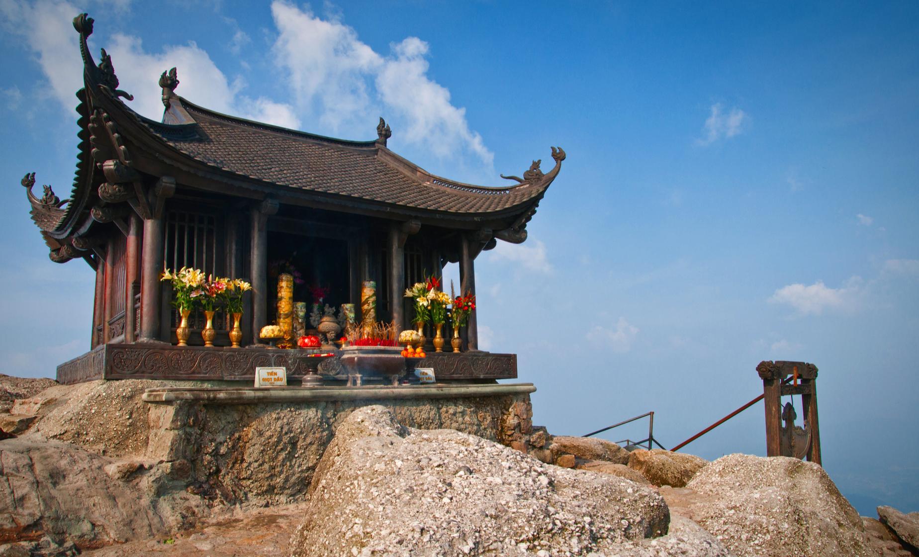 Yen Tu Pagoda and Village Combo