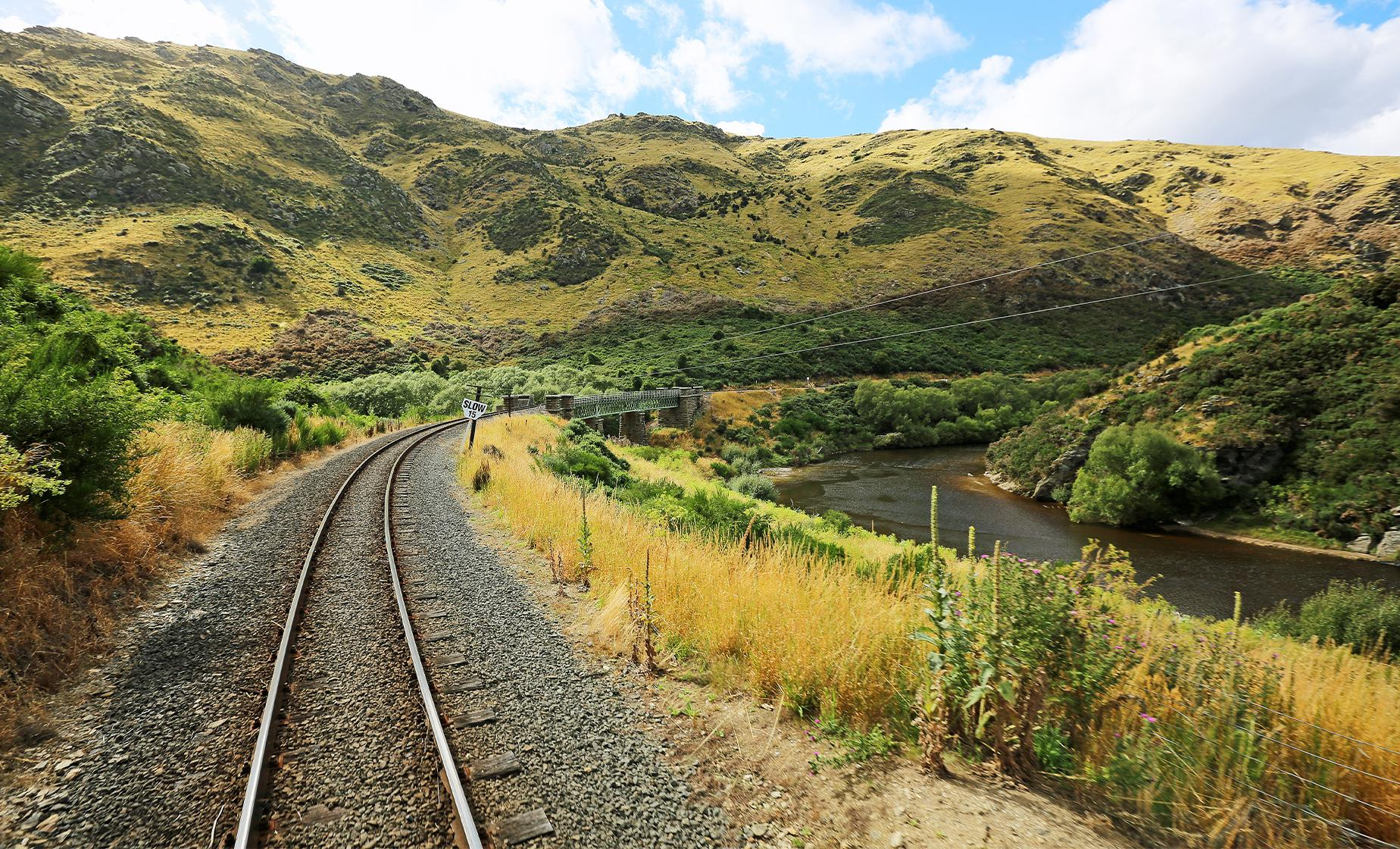 Taieri Gorge Railway and the Otago Peninsula (Port Chalmers, Taieri River)