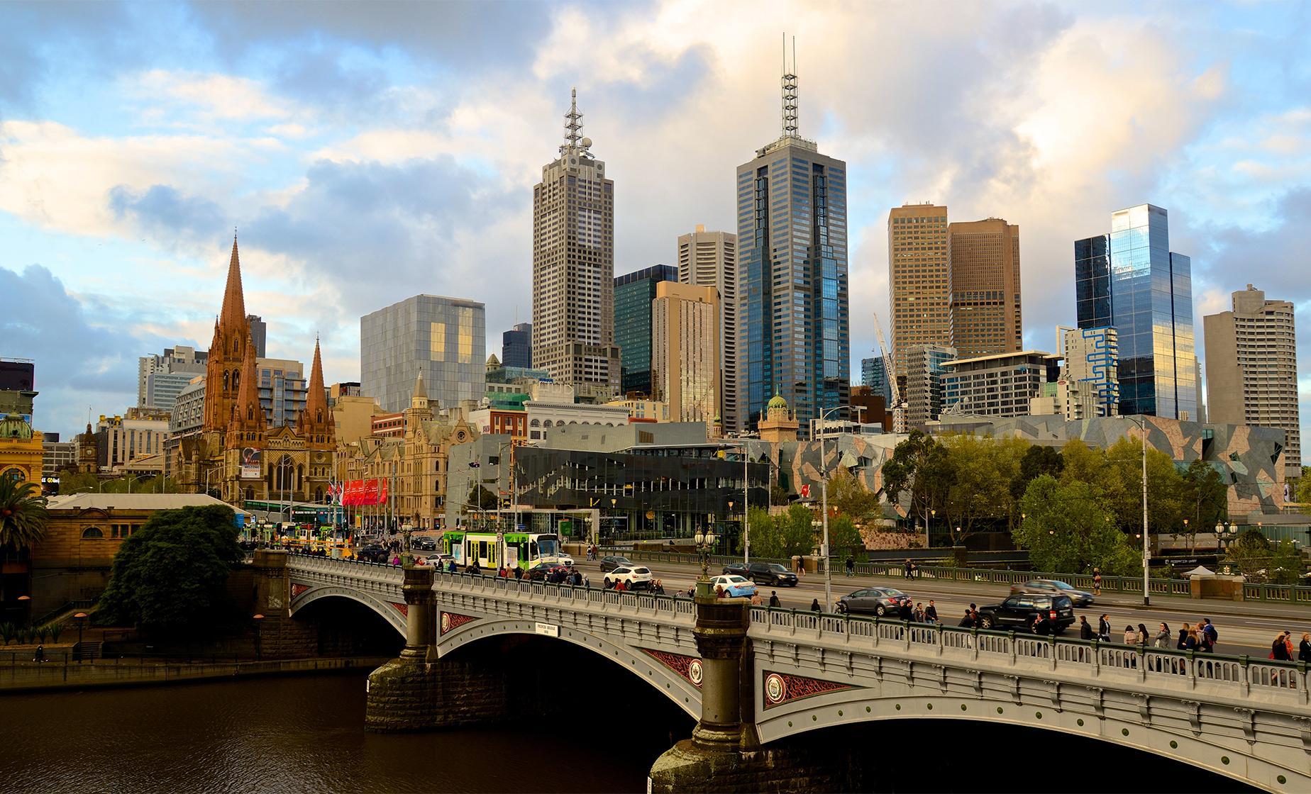 Hop-on Hop-off Melbourne Highlights Tour