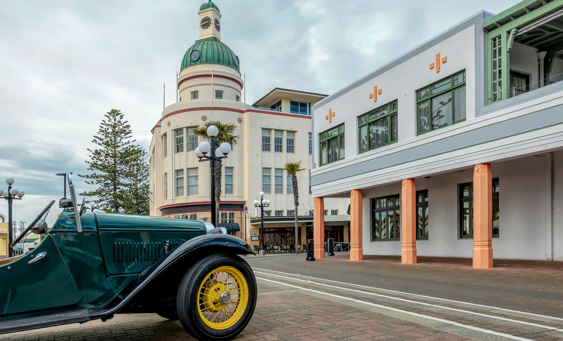 Private 3 Hour Tour of Napier with Optional Classic Car