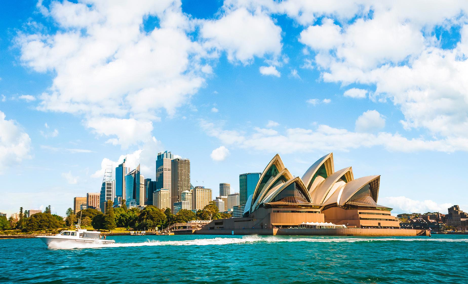 Sydney Highlights & Lunch Cruise from Hotel