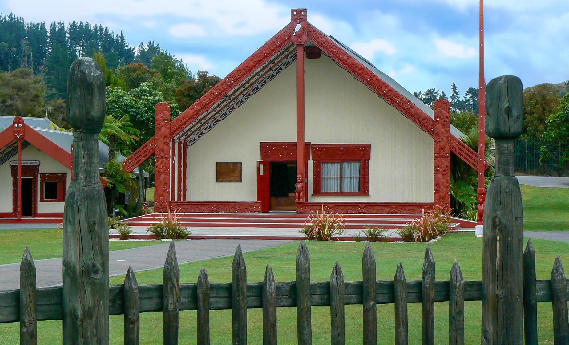 Rotorua Explorer Hop on Hop off Tour