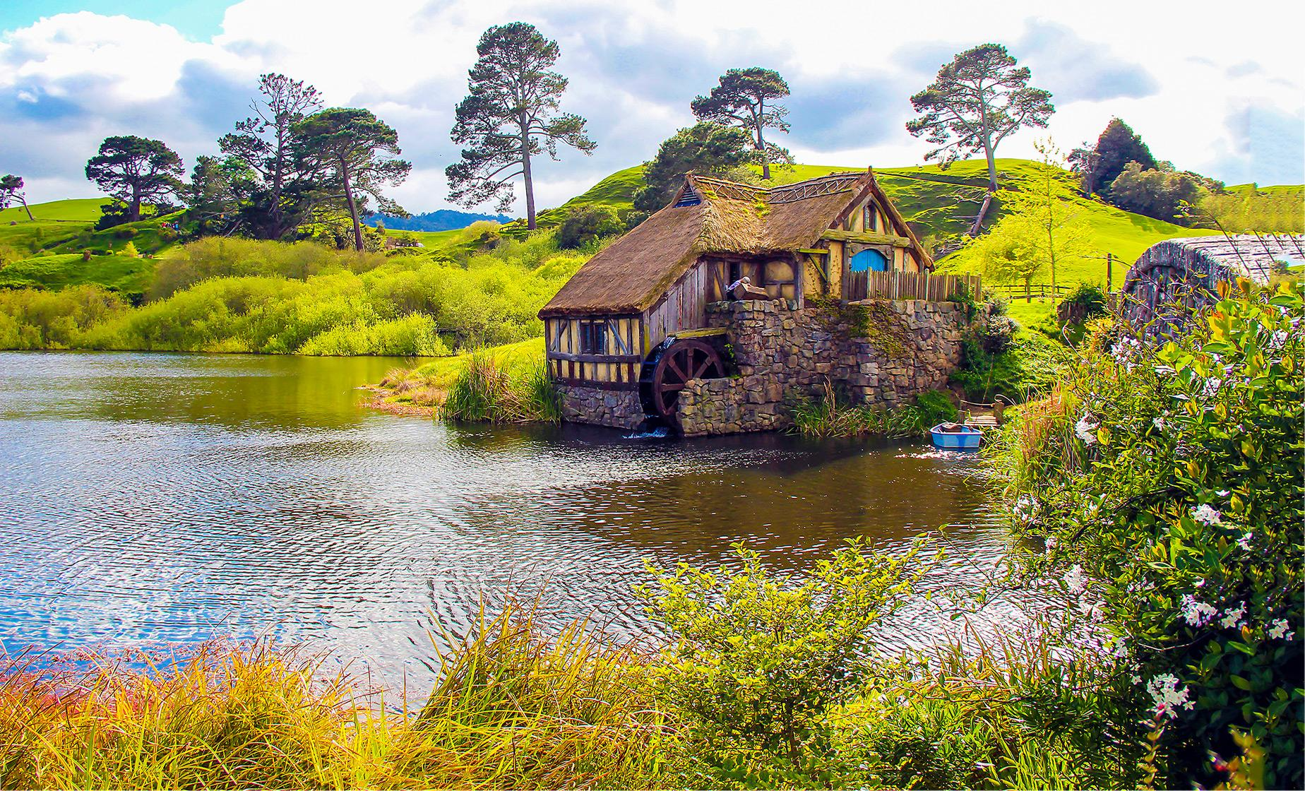 Hobbiton Movie Set & Rotorua Thermal Wonderland Combo