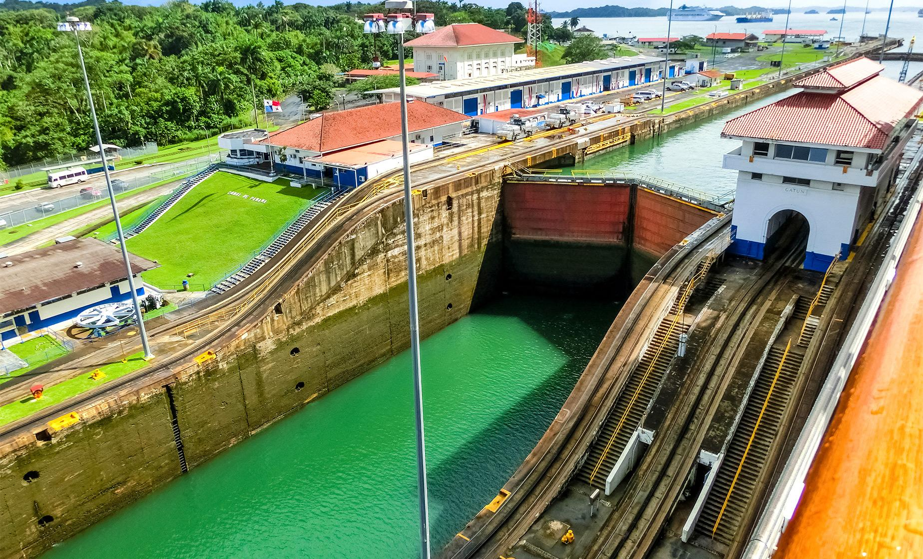 Aerial Tram and Miraflores Locks