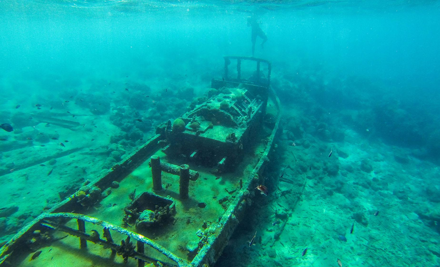 Aquatour Boat Tour and  Shipwreck Snorkeling in Curacao (Fort Beekenburg, Tafelberg, Caracas Bay)
