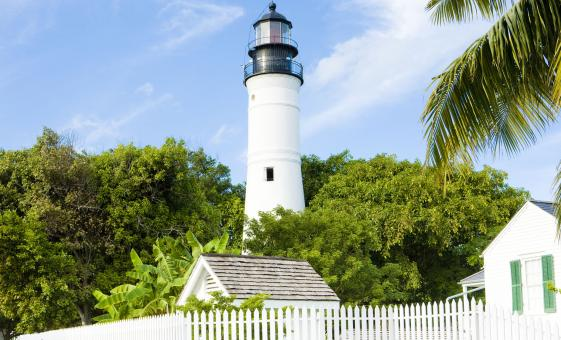 White lighthouse on a 1 day tour from Miami to Key West.