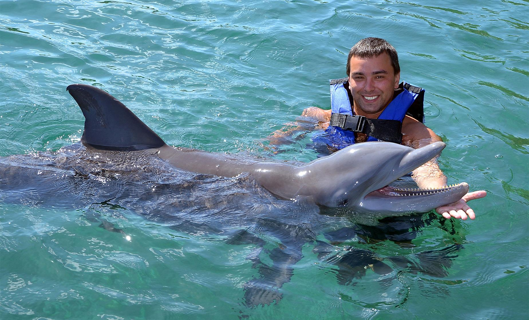 Atlantis Dolphin Swim Cruise Excursion | Nassau Day Tours