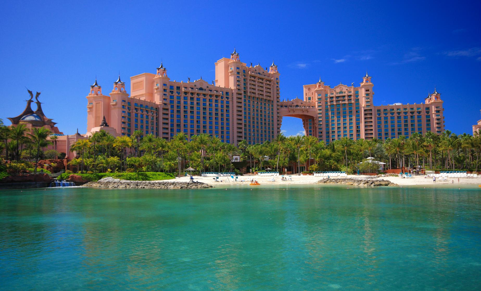 Bahamas Beach: Atlantis Beach Day
