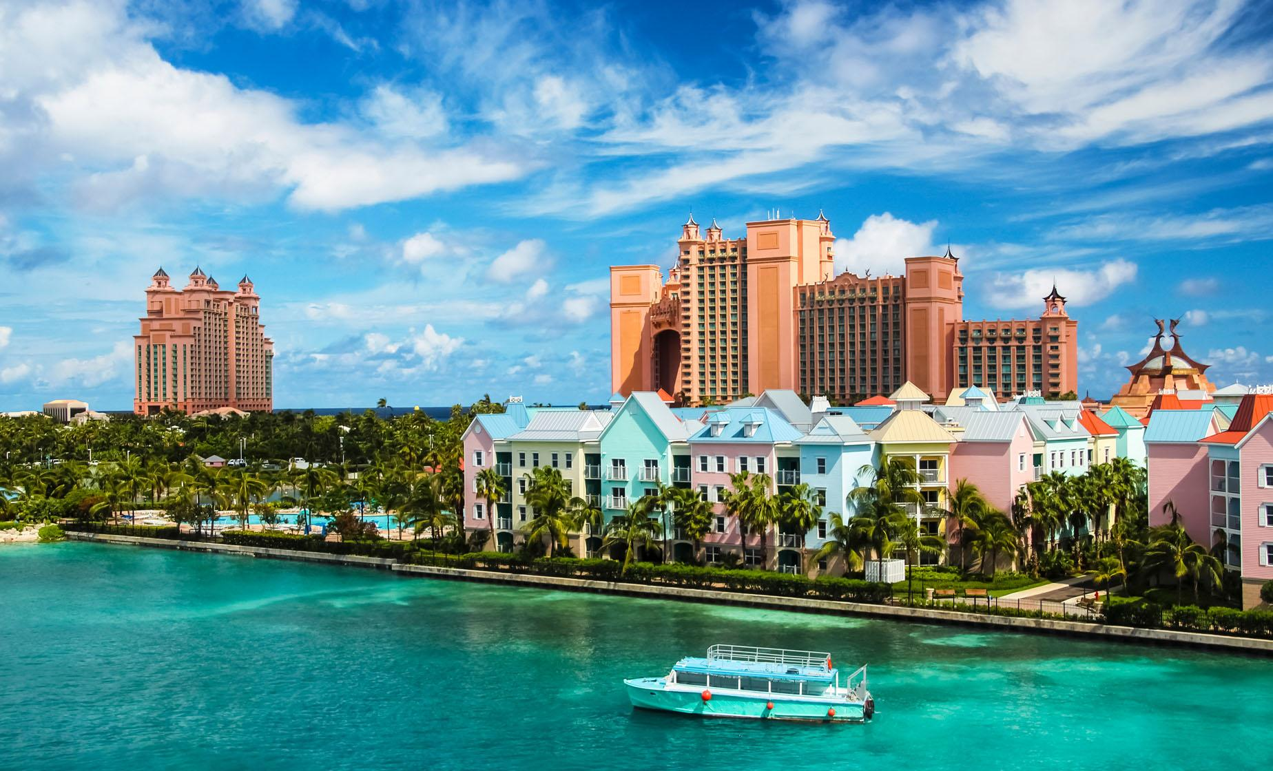Best of Nassau Tour including Fort Montagu, The Cloisters, Potter's Cay Dock