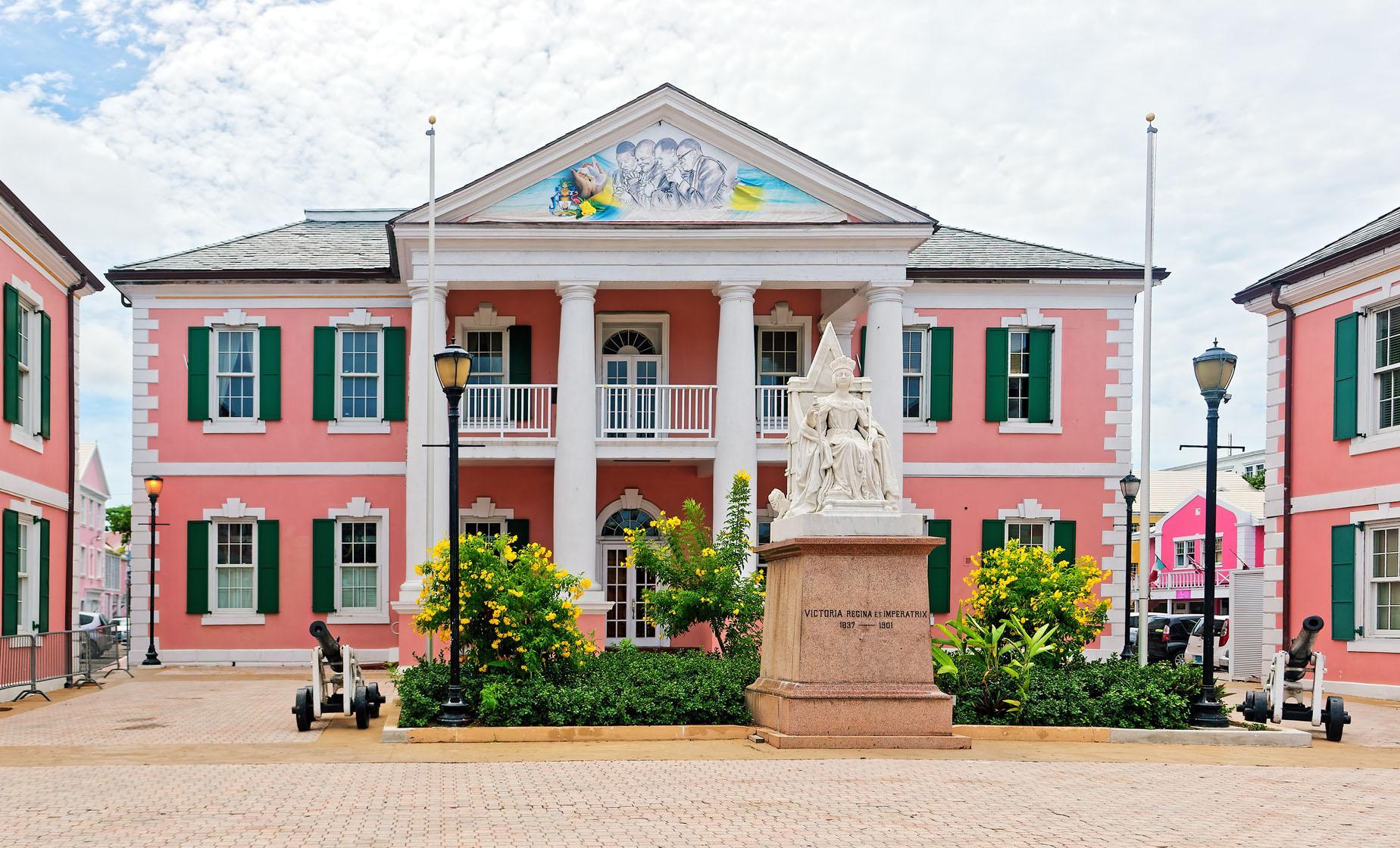 Explore Nassau