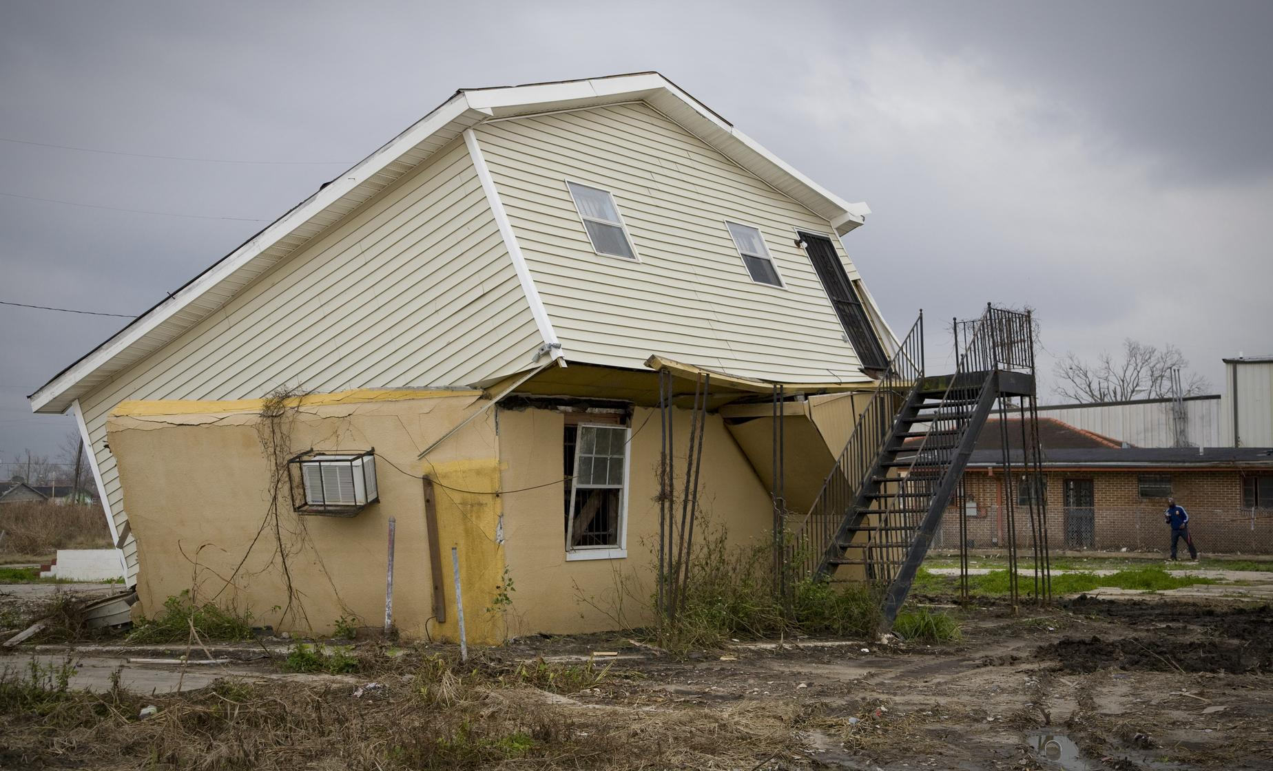 Hurricane Katrina Tour in New Orleans (New Orleans East, St. Bernard, Lakeview, Gentilly)