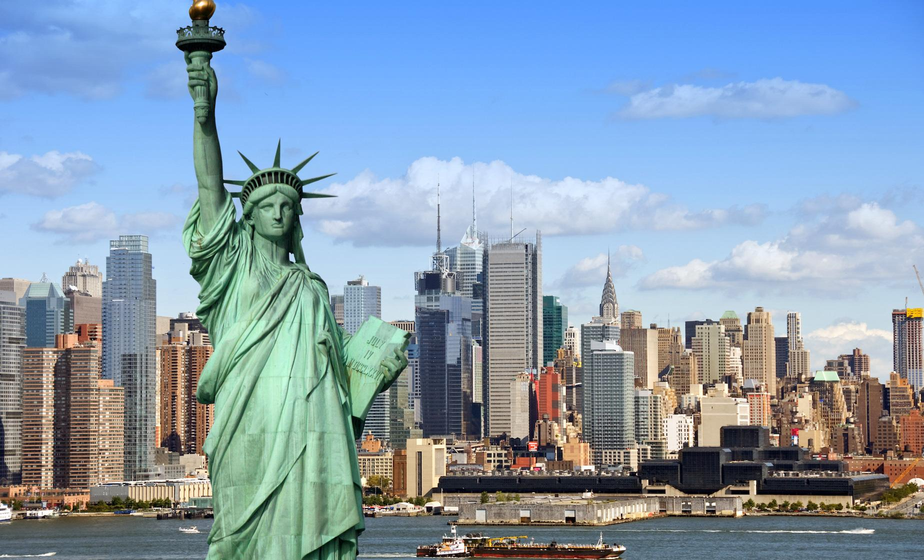 New York Full Island Cruise (Yankees, Brooklyn Bridge, Octagon on Roosevelt Island)
