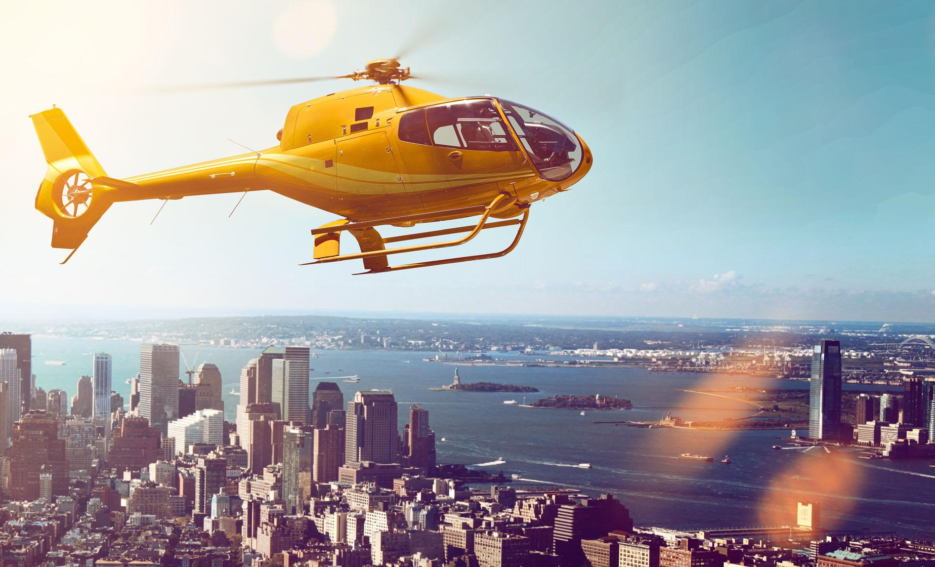 Private New York City Helicopter Tour (Hudson River, Ellis Island)