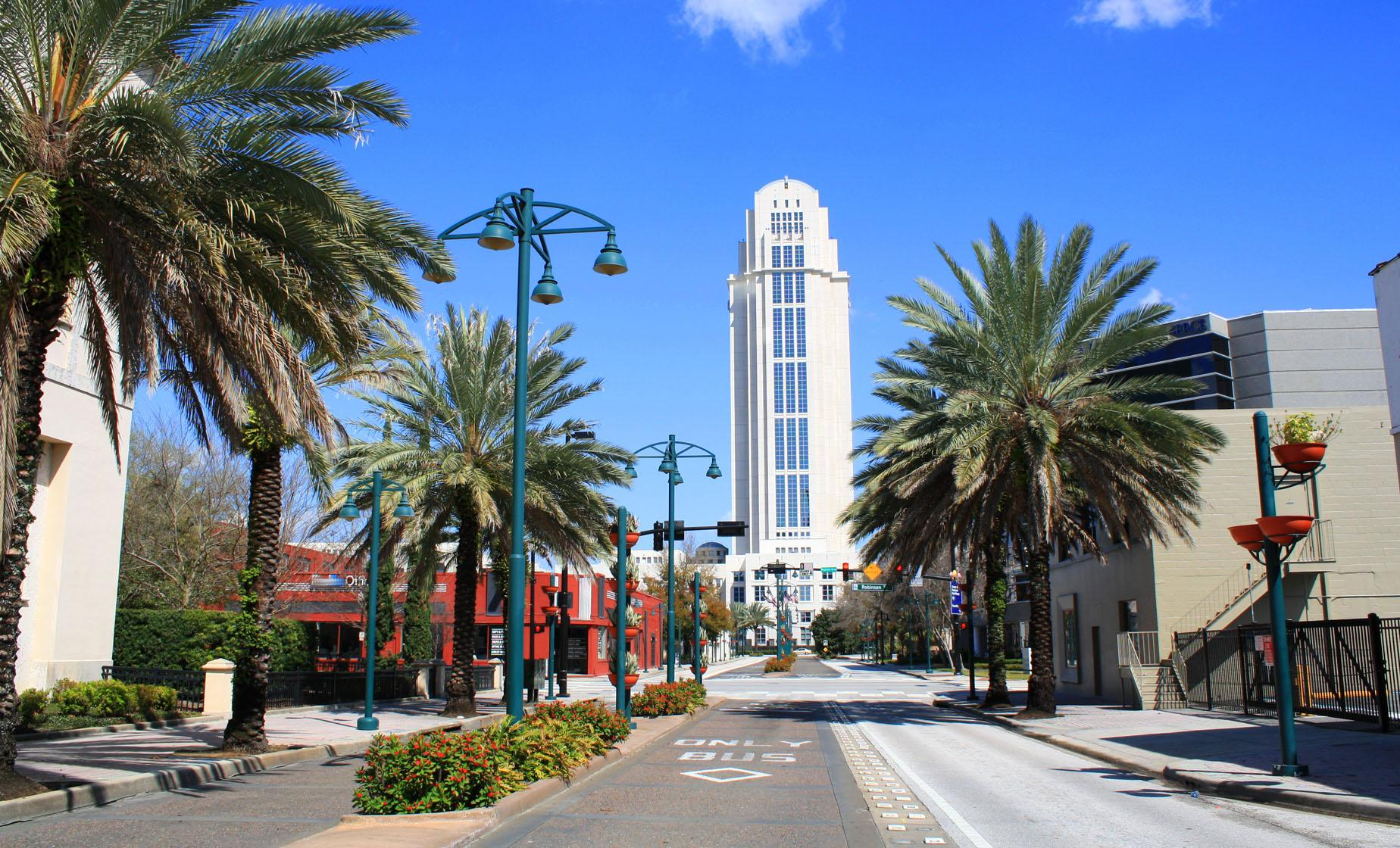 Scenic Orlando City Tour in Florida (Rollins College, Park Avenue, Walt Disney Amphitheatre)