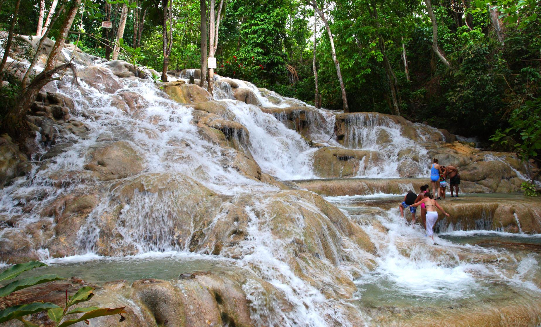 Countryside and Dunns River Falls in Ocho Rios (St. Ann's Bay, Fern Gully, Claremont)