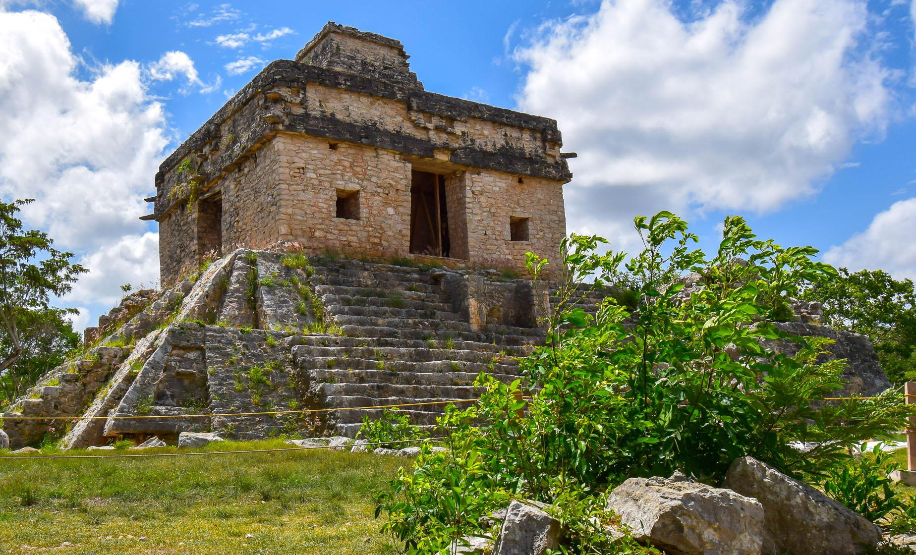 Dzibilchaltun Mayan Ruins Tour in Progreso (Temple of the Seven Dolls, Cenote Xlacah Sinkhole)