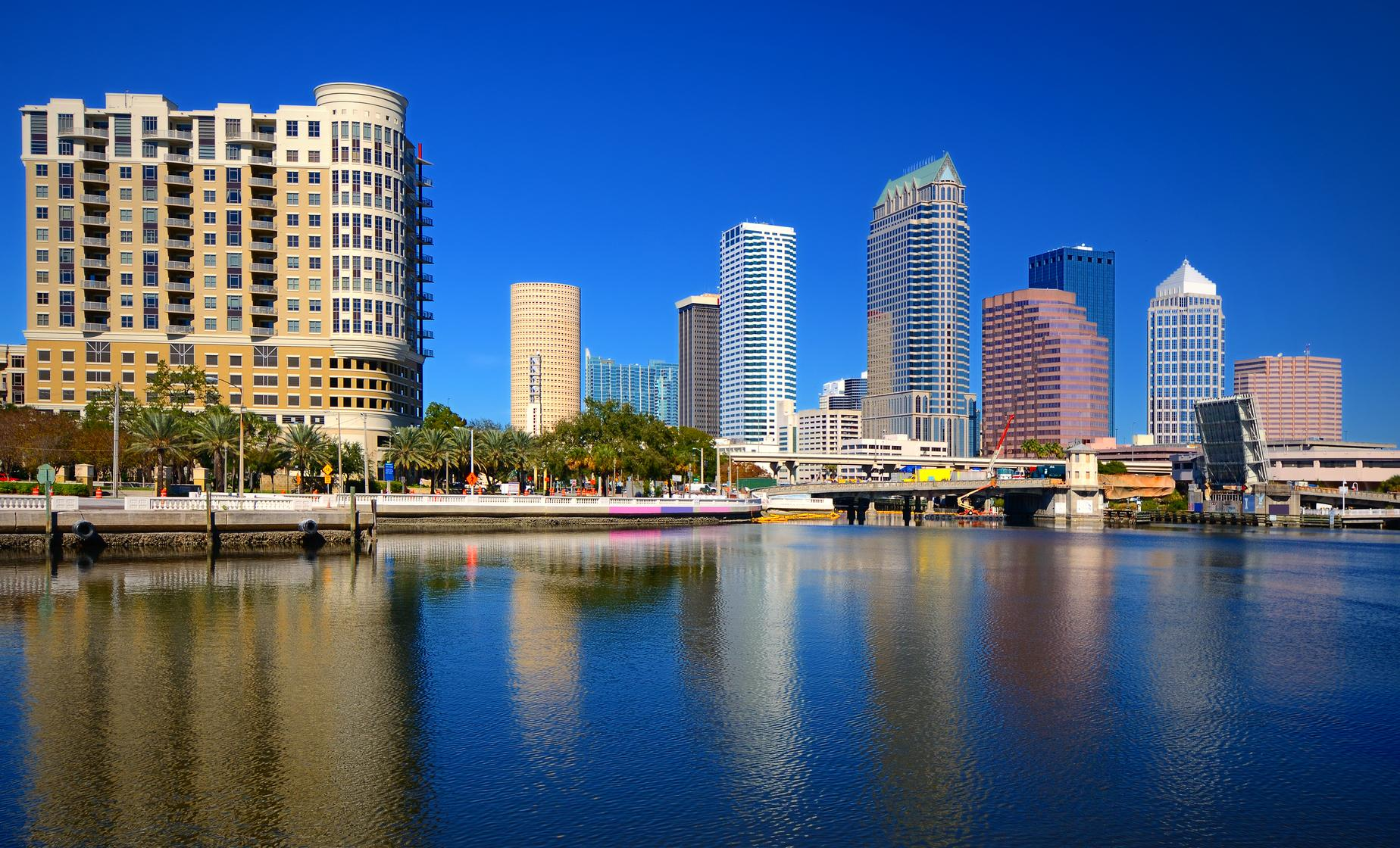One Way Transfer from Downtown Hotels to Tampa Port