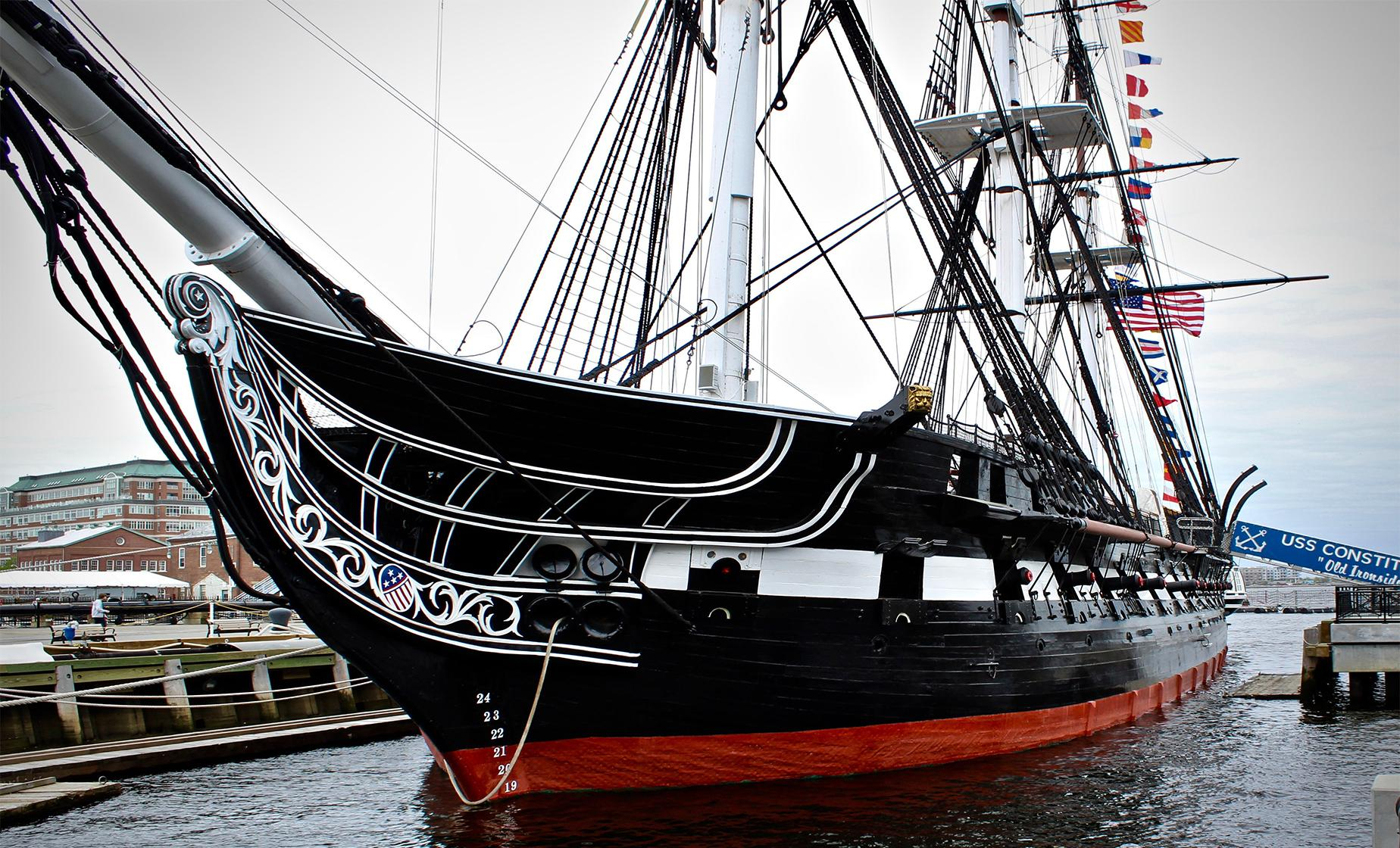 USS Constitution and Harbor Cruise Tour in Boston (Charlestown Navy Yard, Bunker Hill Monument)