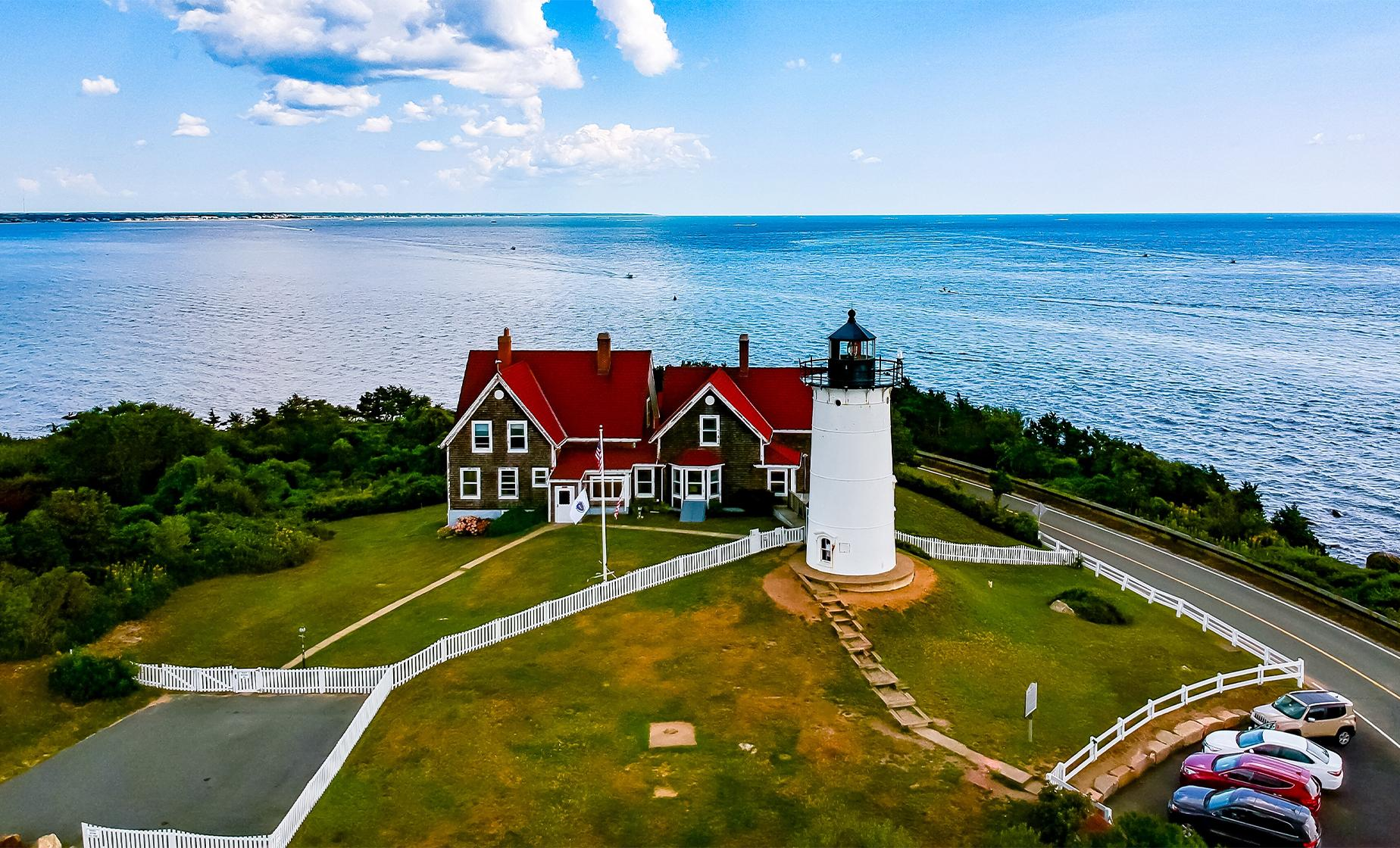 Island and Martha's Vineyard Day Trip Tour from Boston (Oak Bluffs, Gay Head Cliffs)