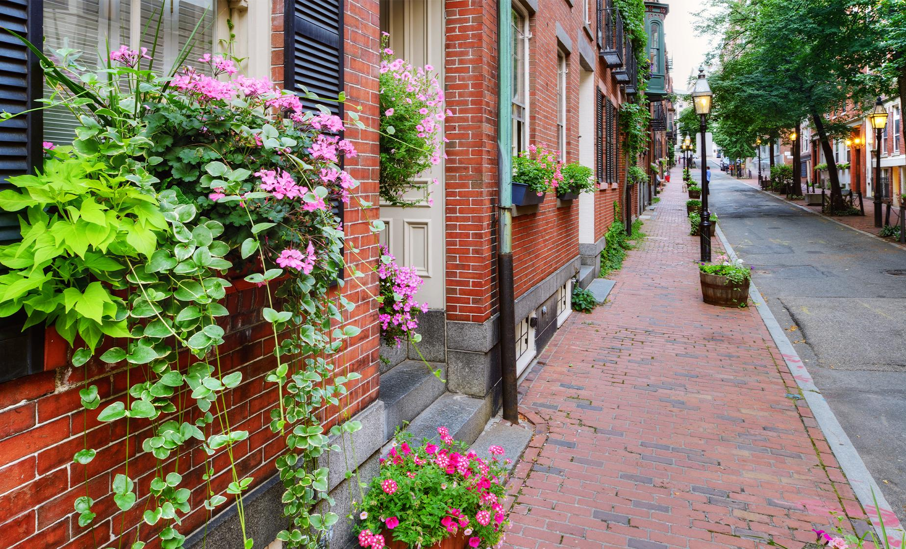 Beacon Hill Walking Photo Tour in Boston (Shaw Memorial)