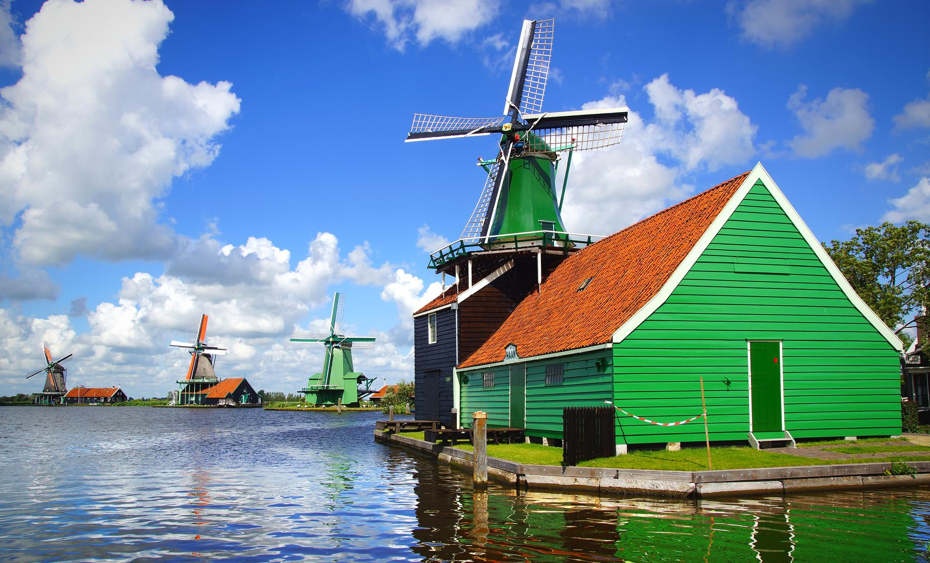 Private City and Windmill Tour in Amsterdam (Zaanse Schans, Amstel River)