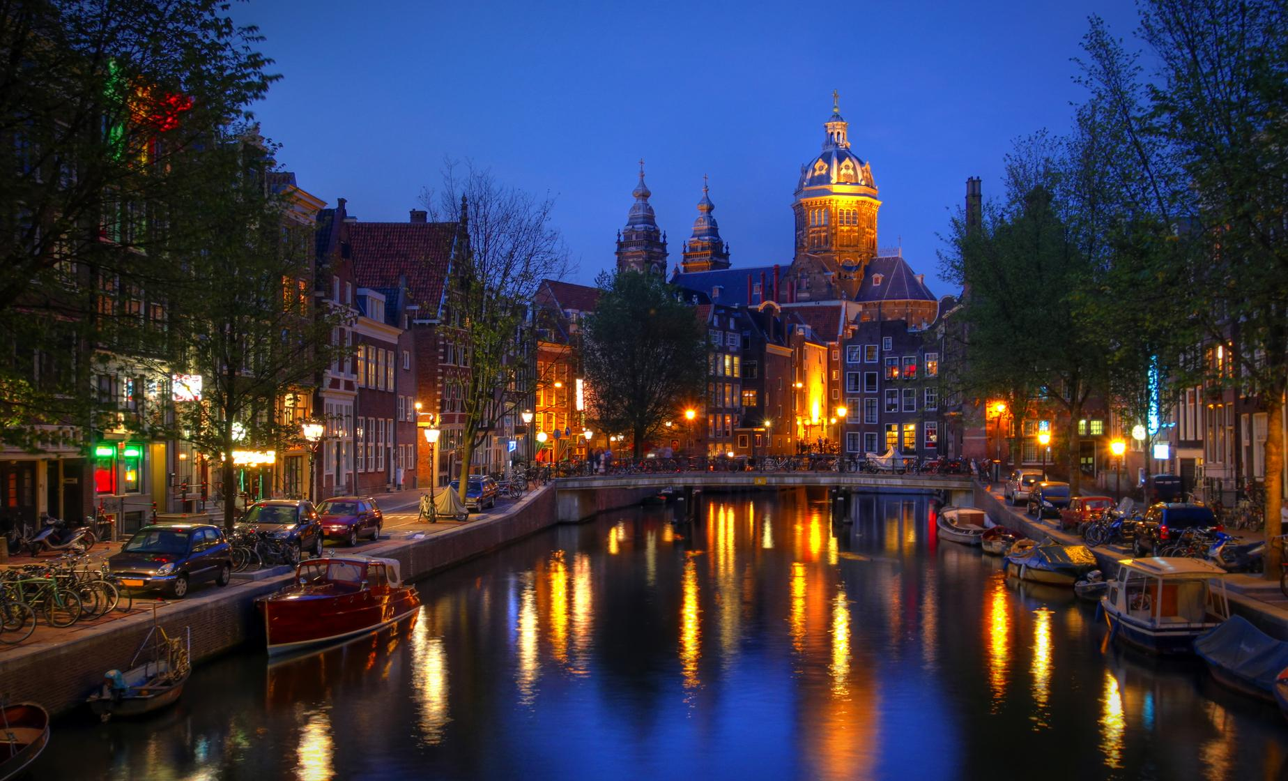Candlelight Cruise in Amsterdam