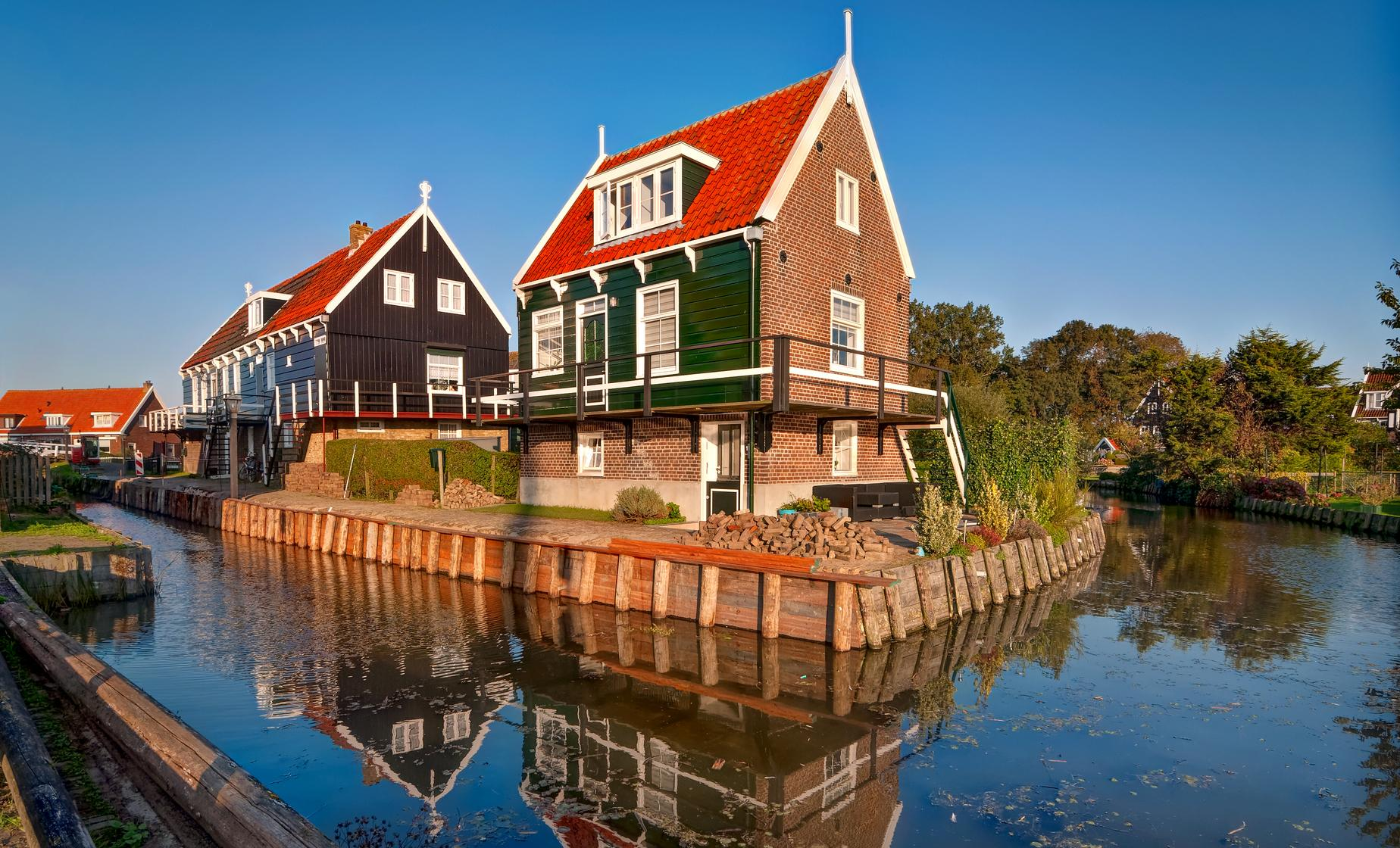Volendam, Marken and Windmills with Guided City Tour