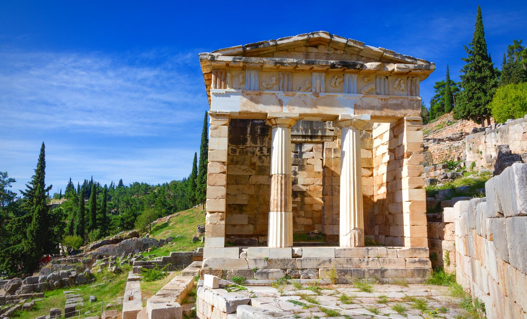 Delphi Full Day Tour from Athens (Thebes, Castalian Spring, Naxian Sphinx)