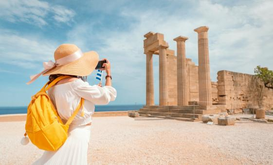 Guided Walking Tour Exploring the Ancient City of Athens and Some of its Best Sites, Including the Acropolis and Kolonaki