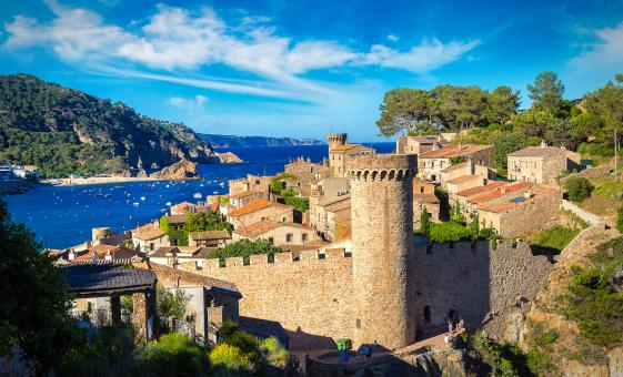 Costa Brava and Villages with Lunch Small Group Tour