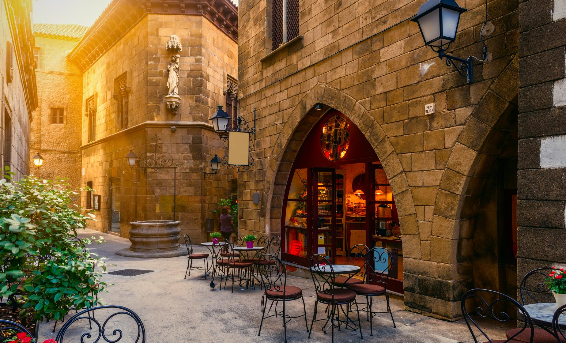 Barcelona Highlights and Spanish Village
