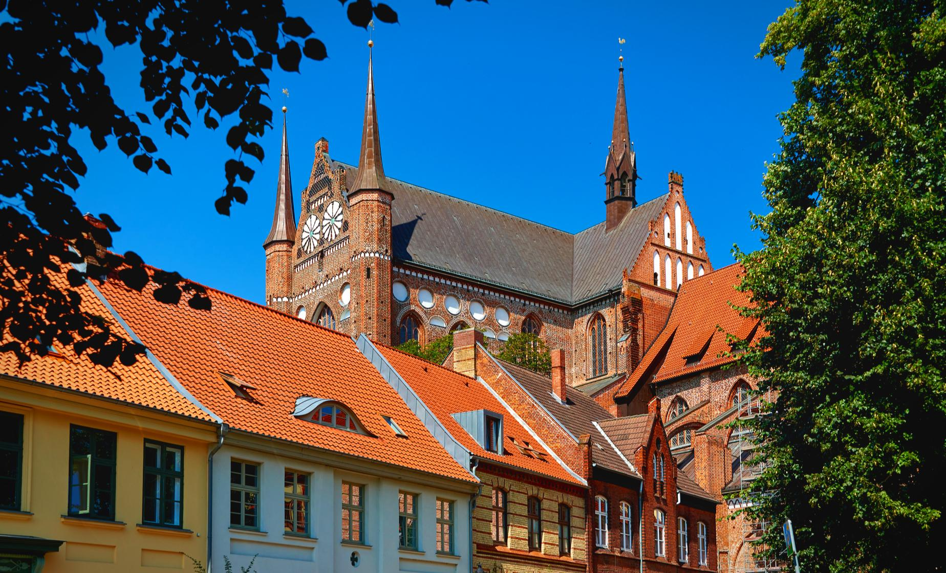 Private Baltic Gems - Luebeck and Wismar Tour from Berlin (Holstentor Gate, Schiffergesellschaft)