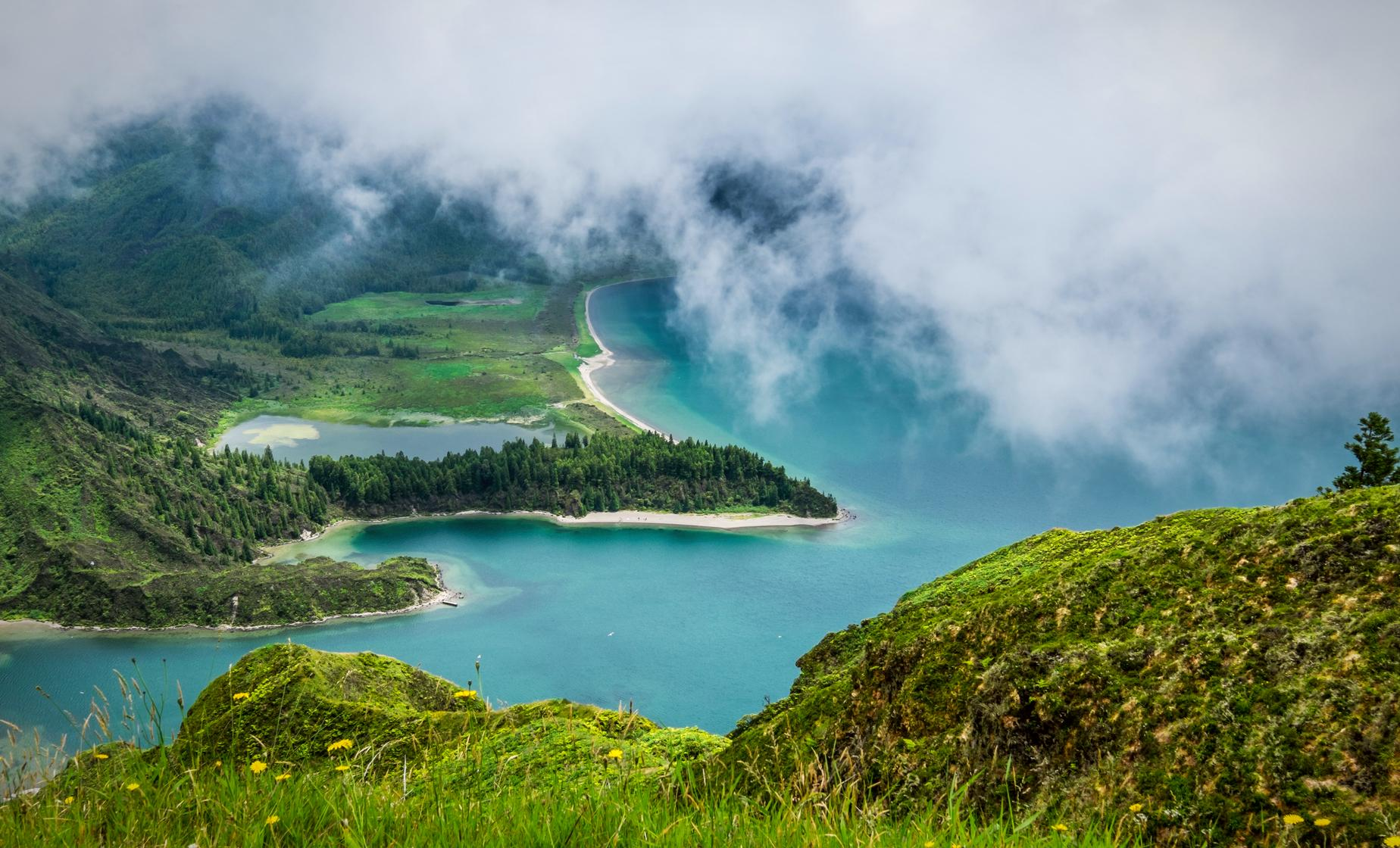 Lagoa do Fogo Nature Hike