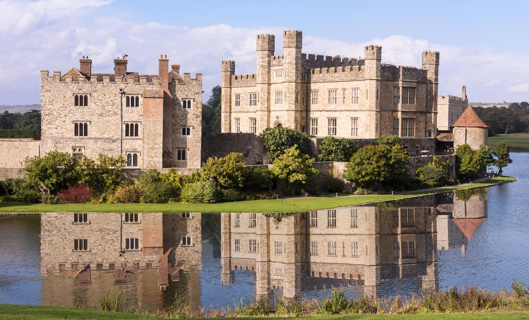 Dover Full Day Tour to London & Heathrow Hotel (Canterbury, Leeds Castle, Garden of England)