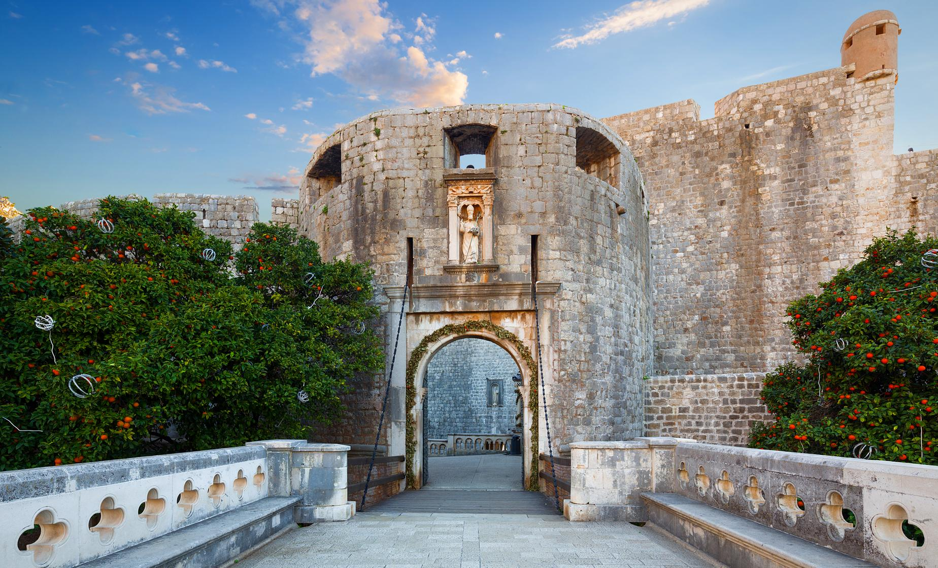 Game of Thrones Tour in Dubrovnik (Pile Gate and the Lovrijenac Fort)