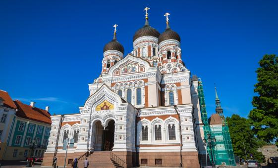 Exclusive Medieval Tallinn Highlights Tour (National Opera, Freedom Square, Dome Hill)