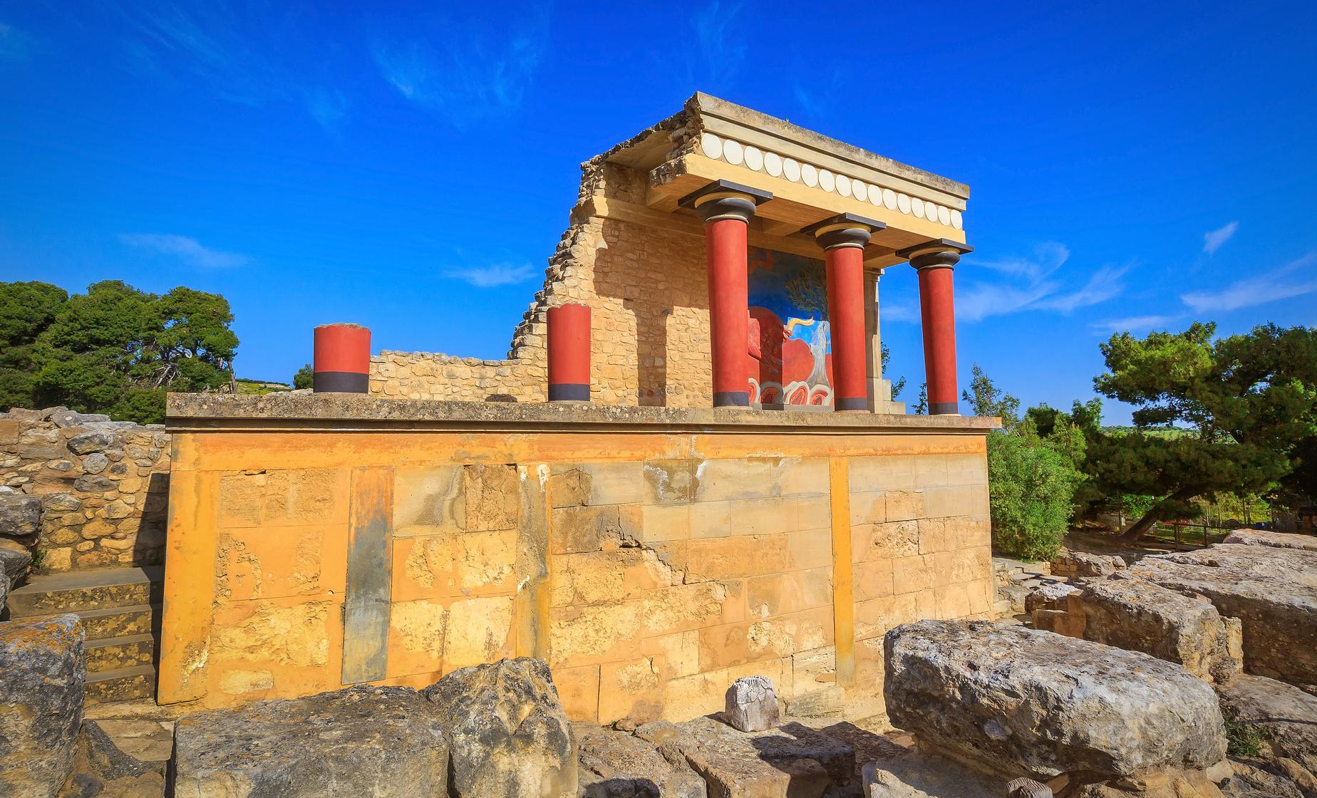 Knossos Palace, Winery and Arhanes Village
