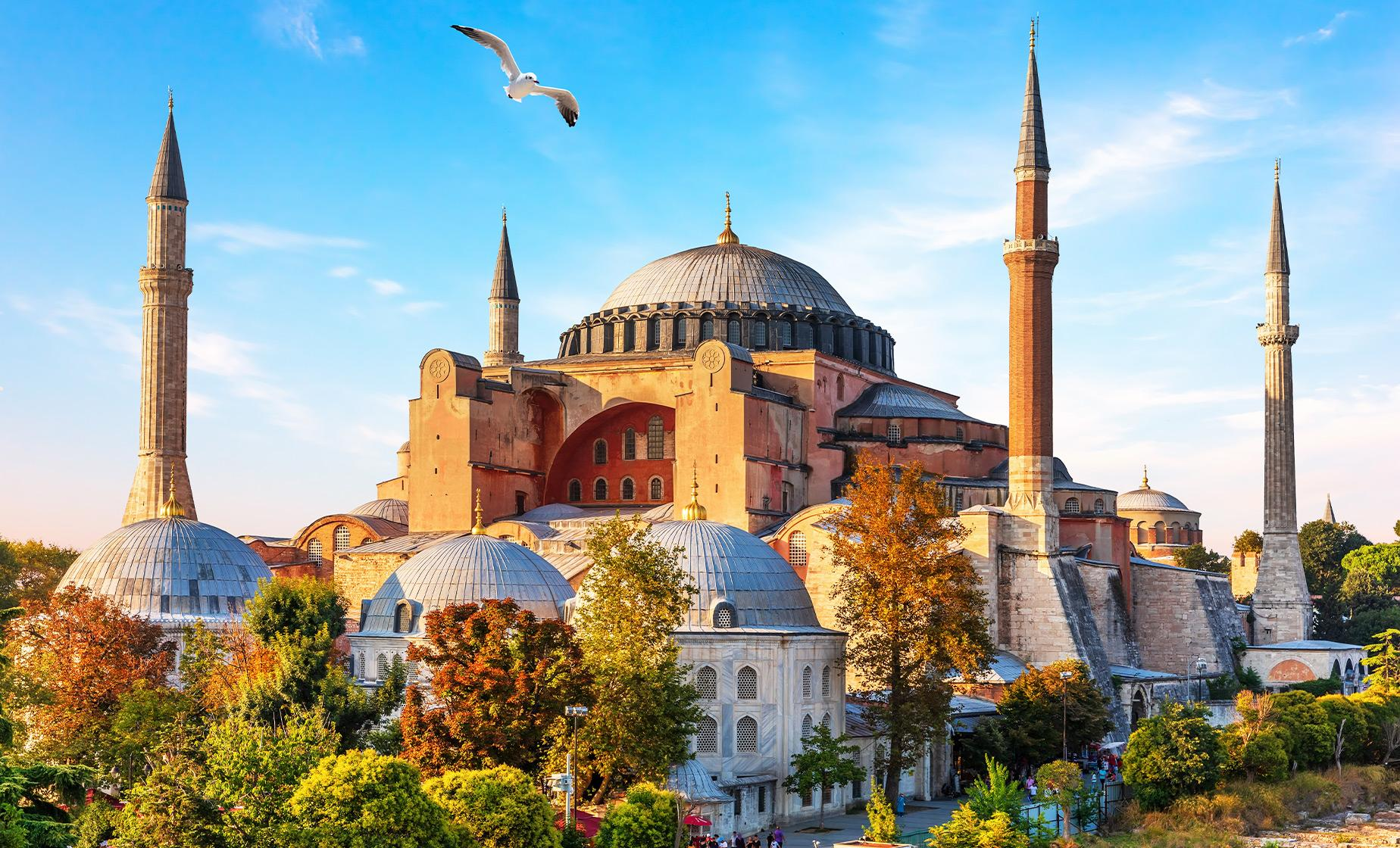 Half Day Byzantine and Ottoman Marvels Tour in Istanbul (Sultan Ahmed Mosque, Grand Bazaar)
