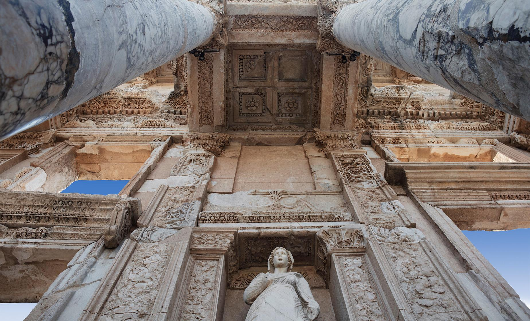 Private Ancient Ephesus Tour from Izmir (Temple of Artemus, Thermal Baths of Scolastika)