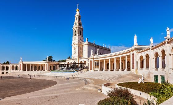 Half Day tour to Fatima (Chapel of Apparitions, Church of the Holy Trinity)