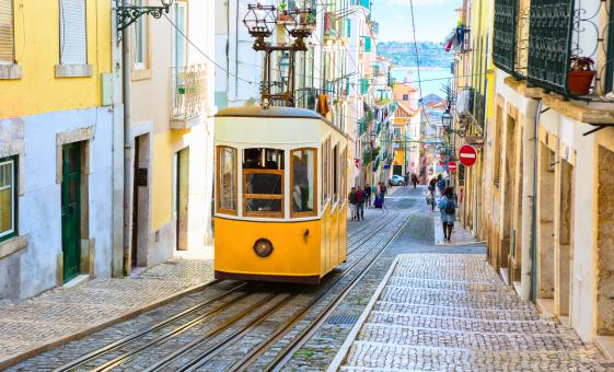 Lisbon by Tram and Coach