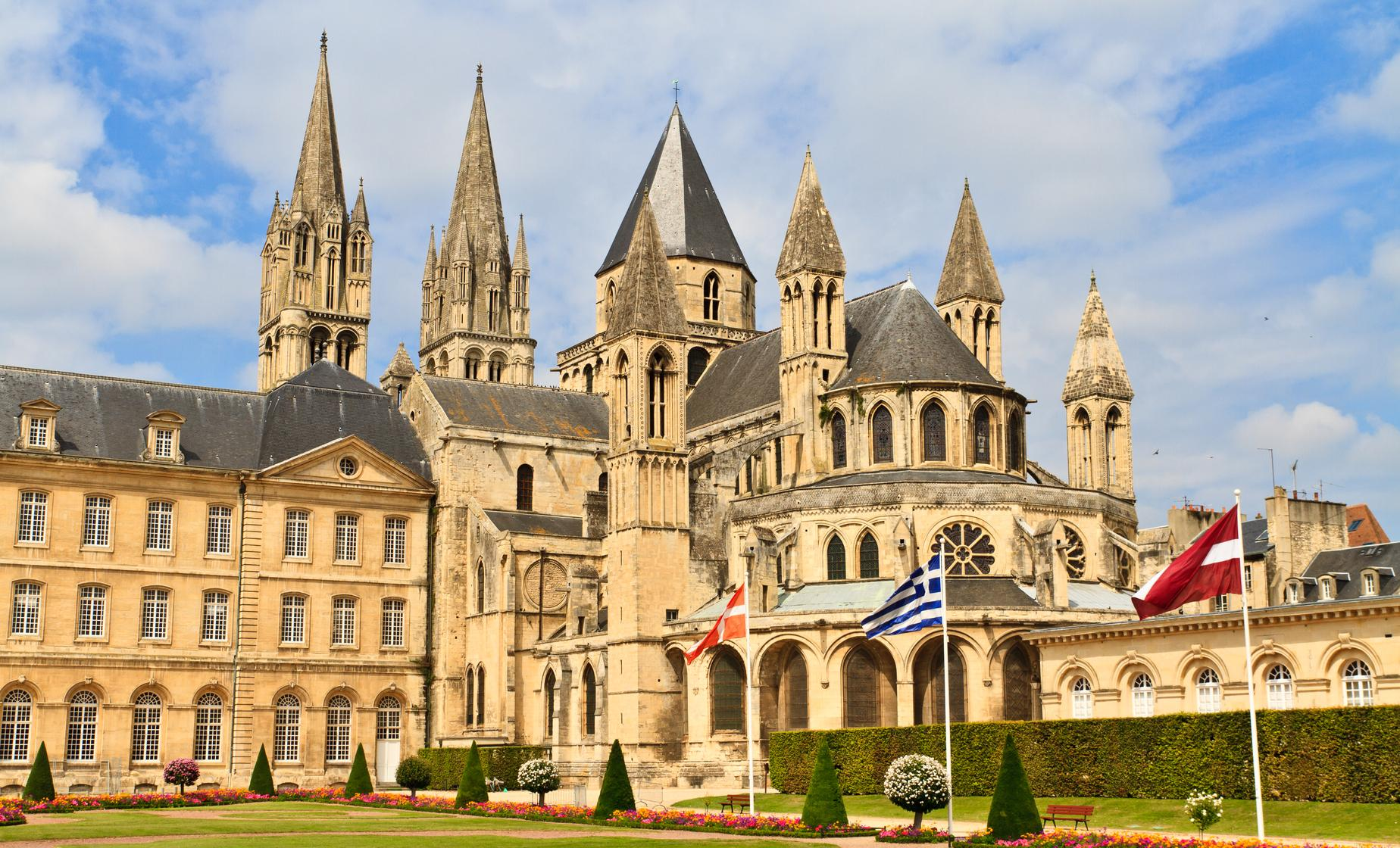 Private William the Conqueror in Bayeux and Caen Tour from La Havre