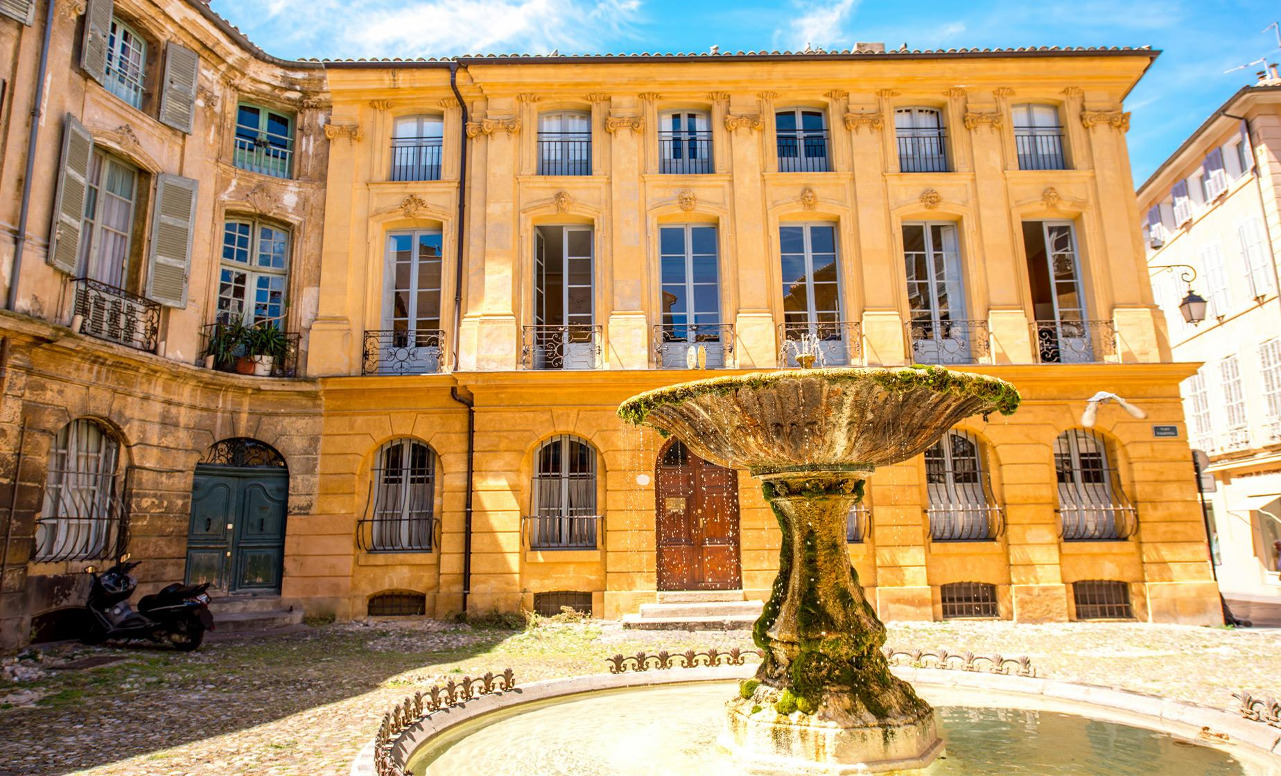 Private Introduction to Aix En Provence Tour from Marseille (Fontaine des Quatre Dauphins)
