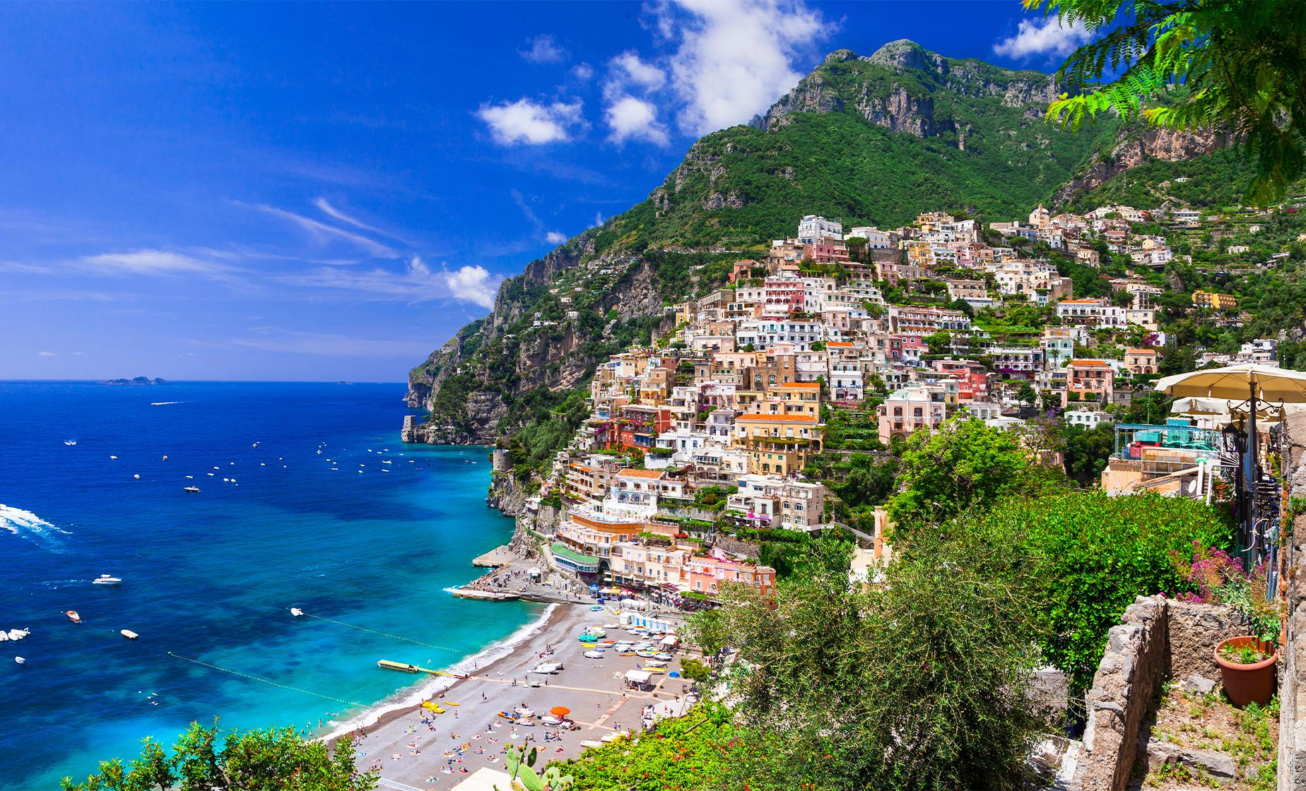 Private Amalfi Coast Port Tour to Mt. Vesuvius and Ravello from Naples