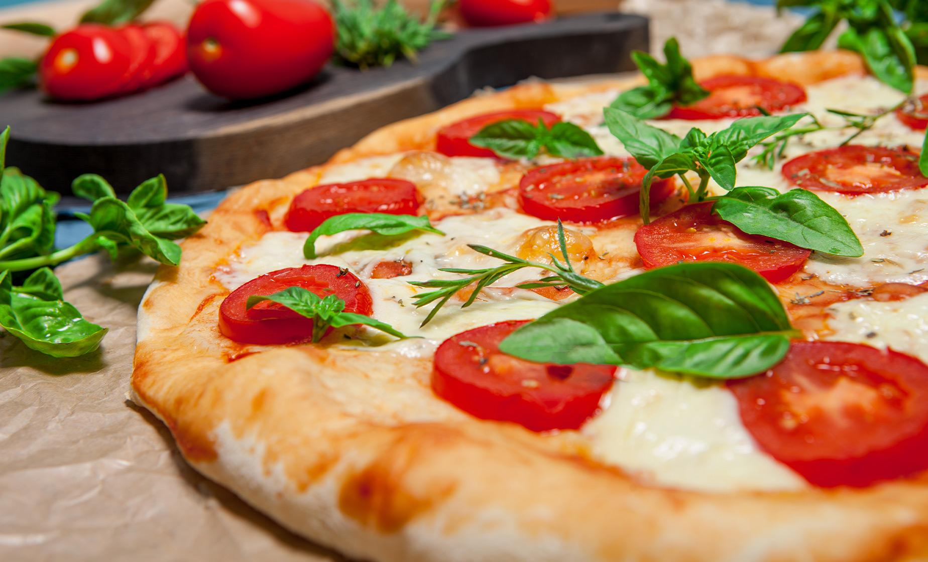 Neapolitan Pizza Tasting & Naples City Tour through San Gregorio