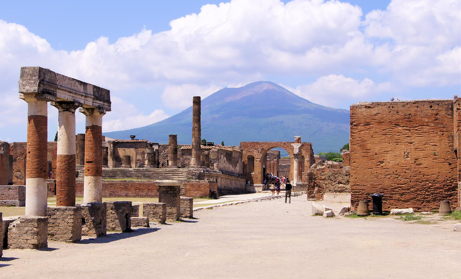 Naples Mount Vesuvius Hike and Pompeii Excursion