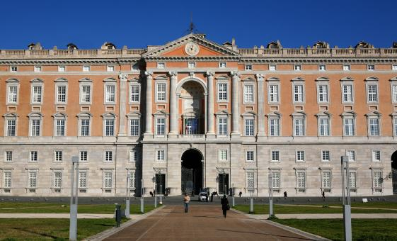 Private Palace of Caserta & La Reggia Outlet Day Tour from Naples