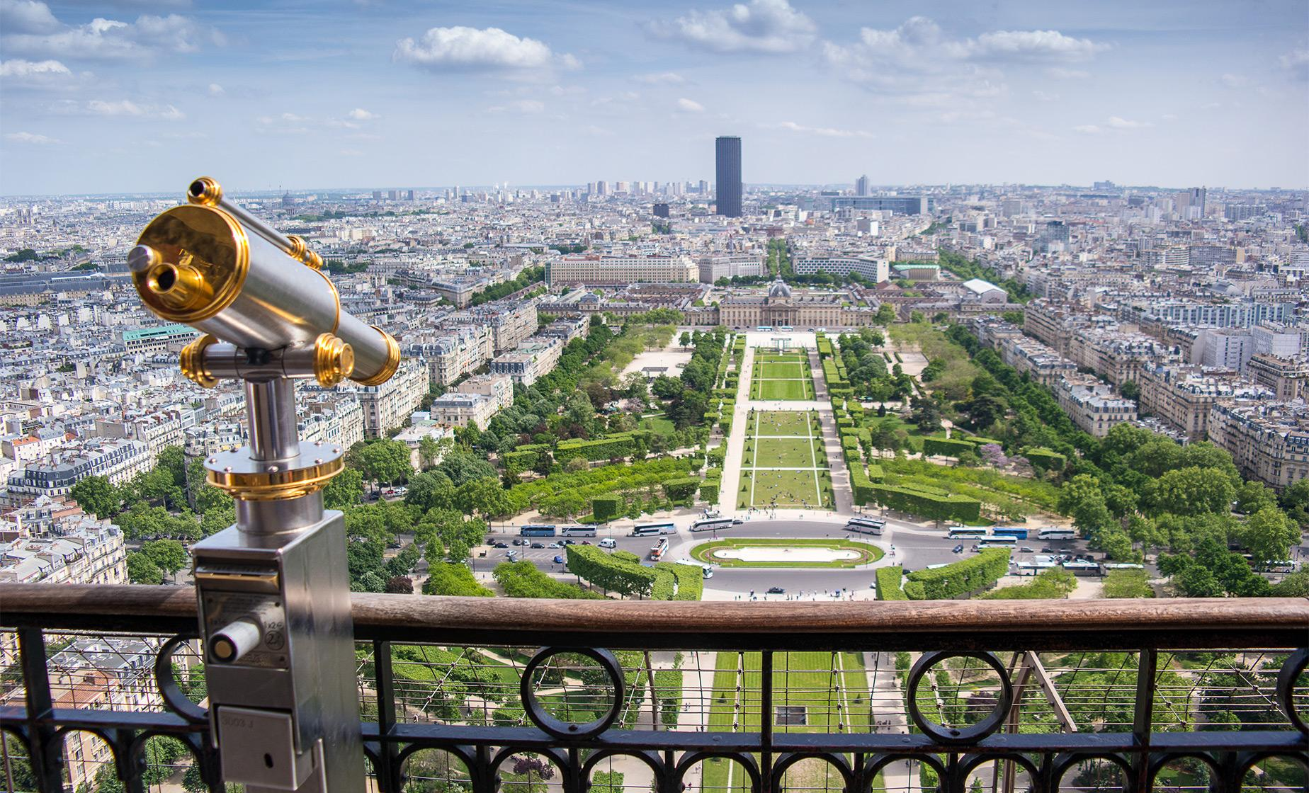 Private Paris Highlights with Lunch at the Eiffel Tower